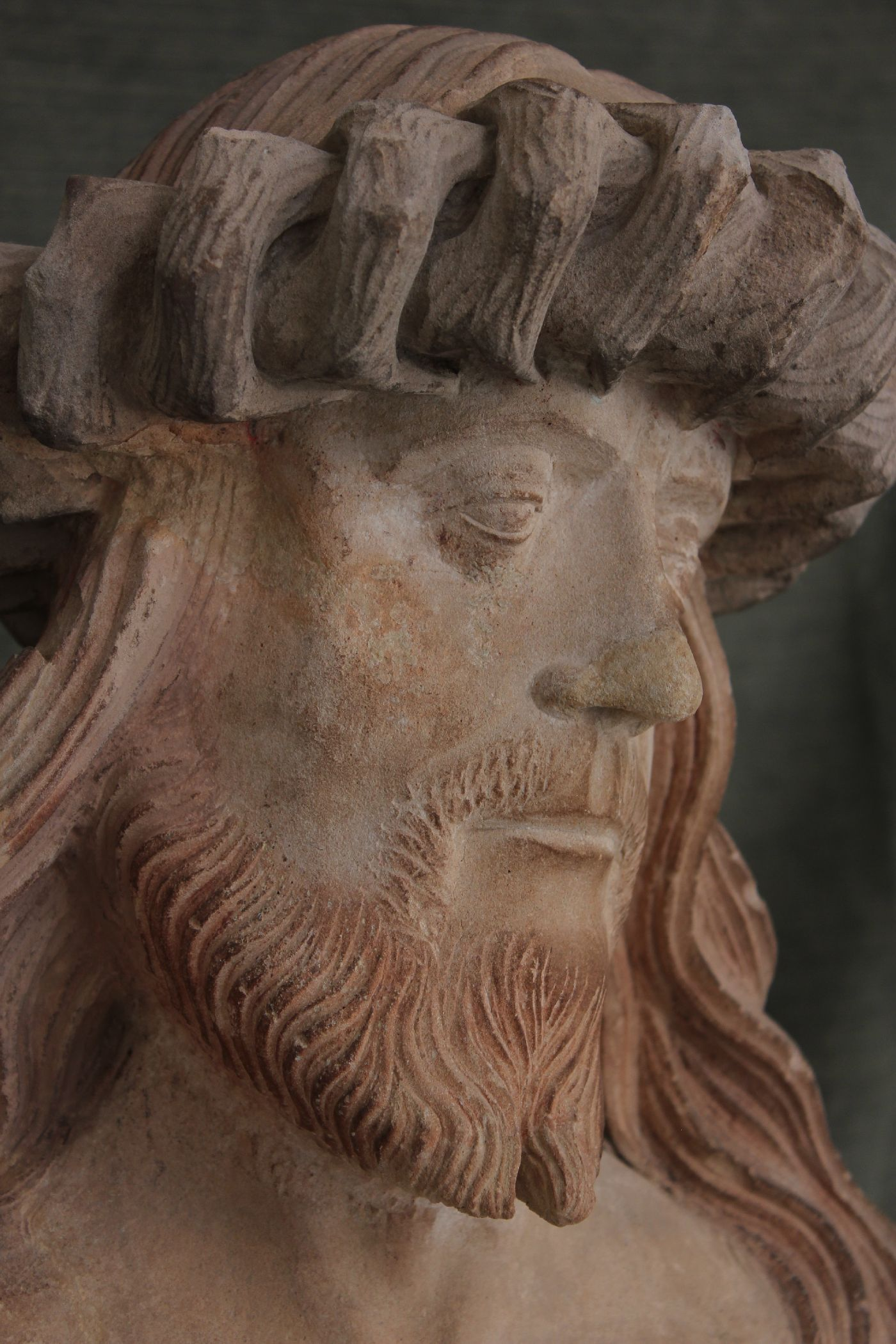 10 Christus op de koude steen neus en baardpunten na retouche