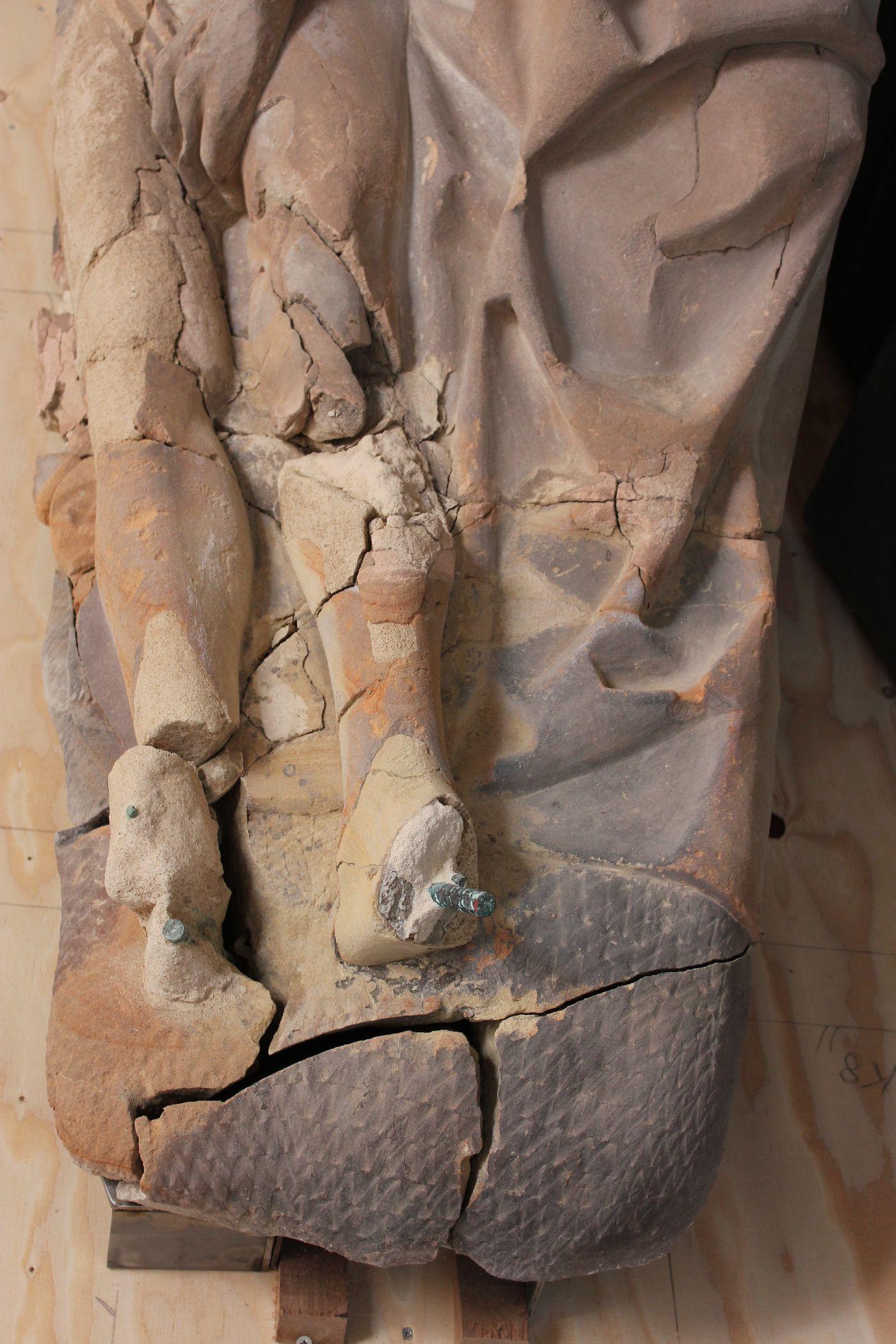 5 Piëta detail voor restauratie
